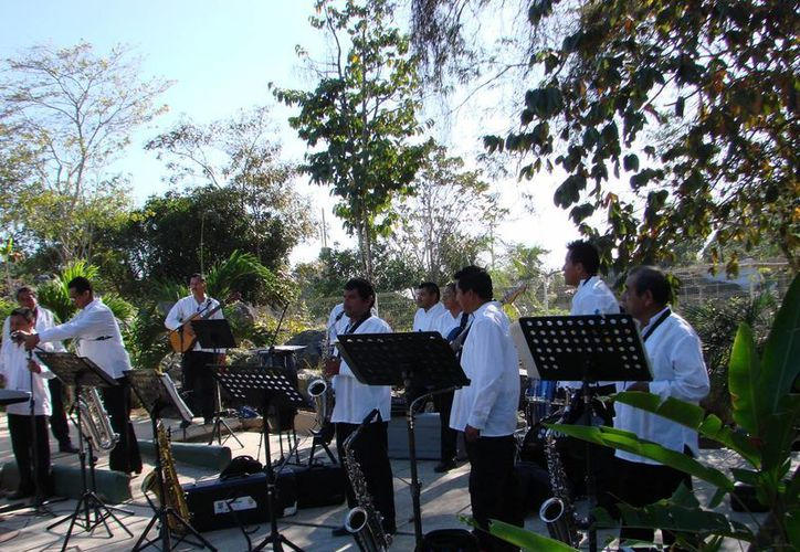 La Orquesta Polifacética del municipio impulsa la cultura. (Manuel Salazar/SIPSE)