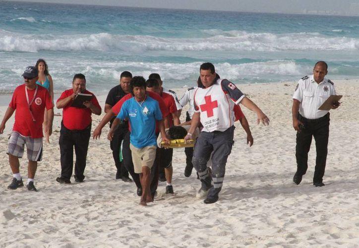 Uno de los jóvenes fue trasladado a un hospital; se encontraba en visible estado de ebriedad. (Sergio Orozco/SIPSE)