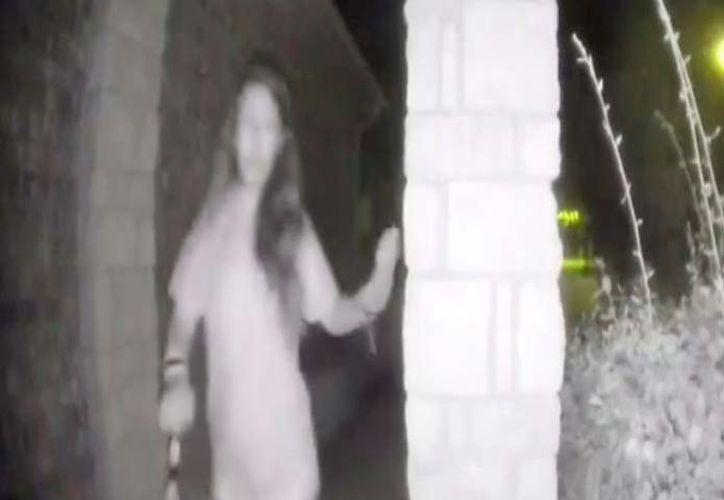 La oficina del alguacil dice que ha recibido numerosos informes de que la mujer es una persona desaparecida. (Captura)