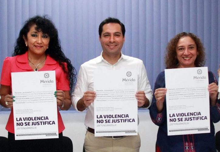 Mauricio Vila Dosal encabezó la presentación de la campaña 'La violencia no se justifica ¡detengámosla!'. (Milenio Novedades)