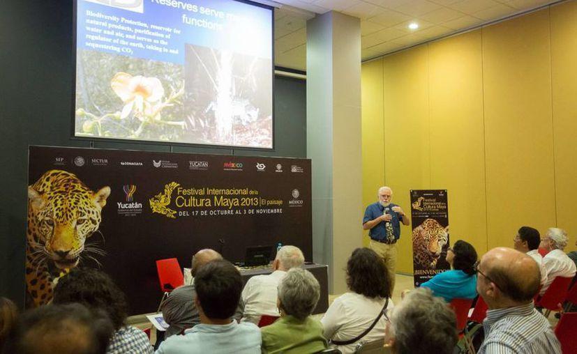 Michael Allen ha participado en investigaciones sobre las técnicas de cultivo maya. (Milenio Novedades)