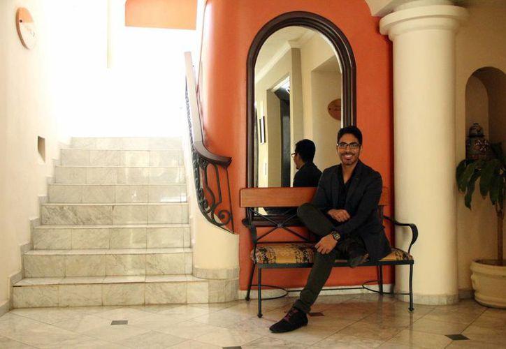 Emmanuel Romero ha trabajado con Ana de la Reguera y Kim Kardashian. (José Acosta/SIPSE)
