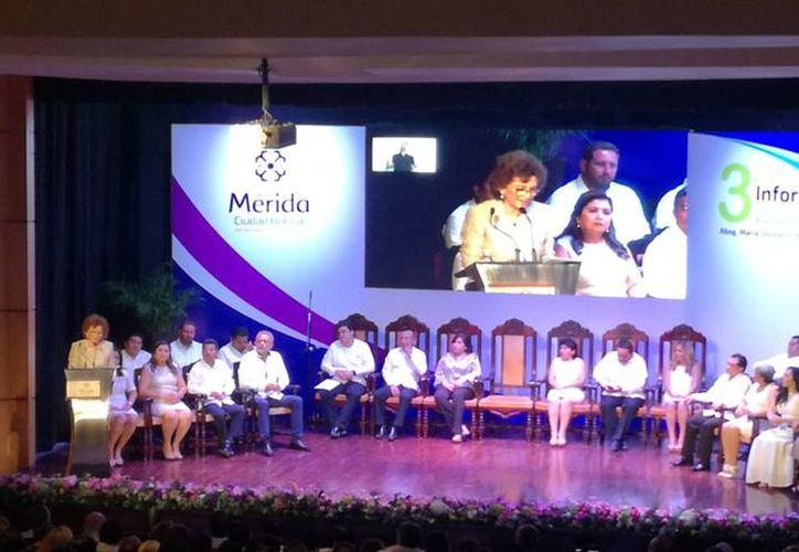 La alcaldesa María Fritz Sierra durante su discurso. (Milenio Novedades)