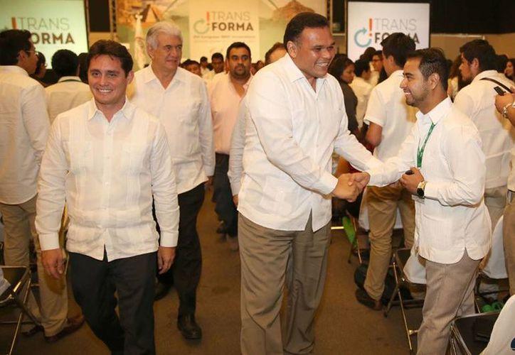 """El Gobernador (c) inauguró el XVI Congreso Nacional IMEF Universitario """"Transforma, renovando ideas, sumando líderes"""", en el Siglo XXI. (Cortesía)"""
