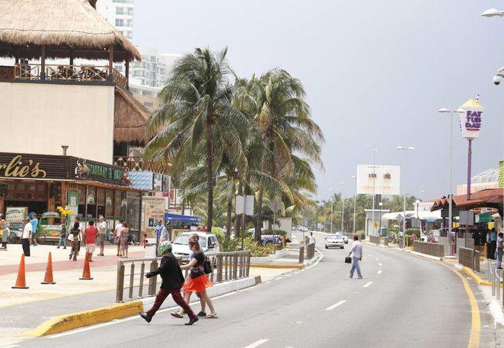 En Benito Juárez, el 20% de los negocios opera en la zona hotelera. (Israel Leal/SIPSE)