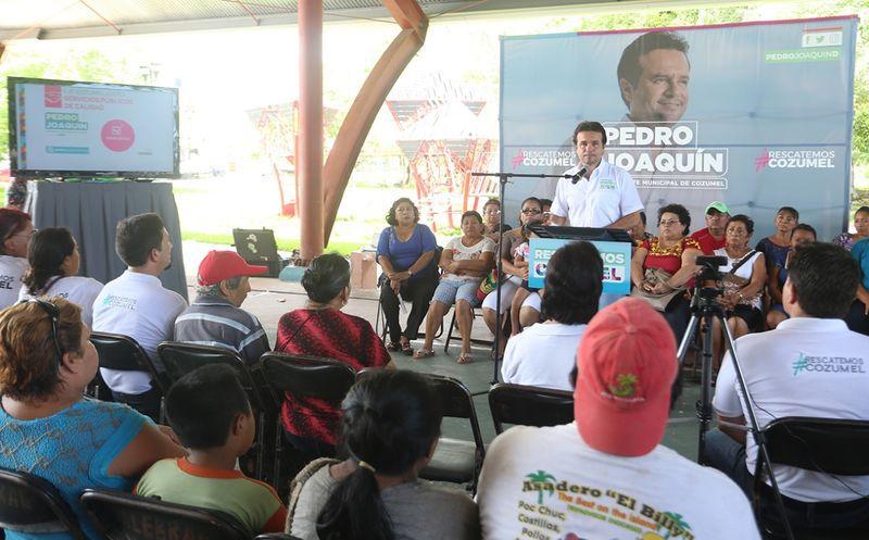 Pedro Joaquín notificó que esta primera etapa del eje de Cozumel justo, se contempla el programa de rehabilitación. (Redacción/SIPSE)