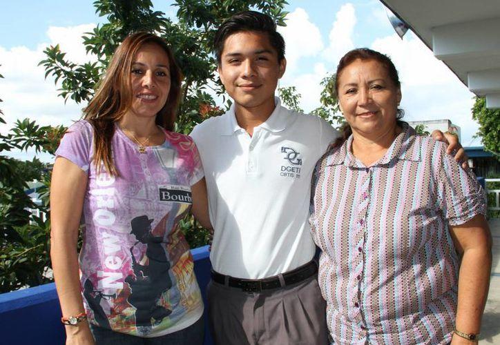 Es la primera vez que el alumno participa a nivel nacional en esta competencia. (Tomás Álvarez/SIPSE)