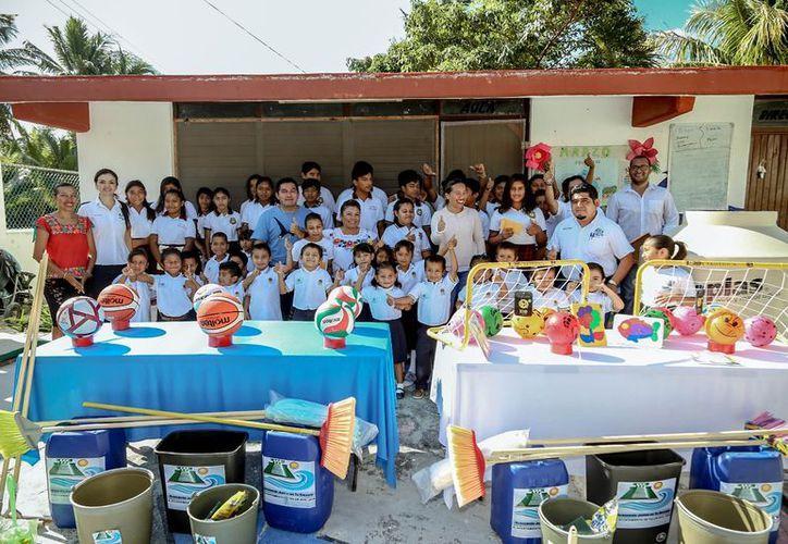 """El Jardín de Niños """"Arrecifes"""" fue beneficiado con la entrega de materiales. (Cortesía)"""