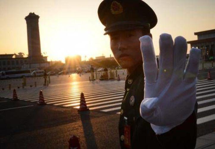 En base a la ley china, una persona puede ser mantenida en estado de detención administrativa hasta 15 días. (lagranepoca.com)