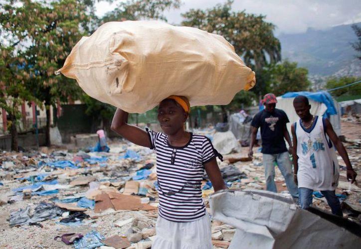 El sexo transaccional en las fuerzas de paz en países como Haití, destrozado en 2010 por un intenso terremoto, golpea el prestigio de los llamados 'cascos azules'. (Archivo/AP)
