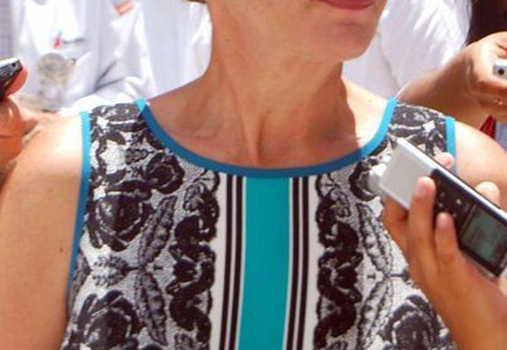 Sara Latife Ruiz Chávez, secretaria de la SEQ, dijo que cesaría al docente que no asistiera a laborar. (Tomás Álvarez/SIPSE)