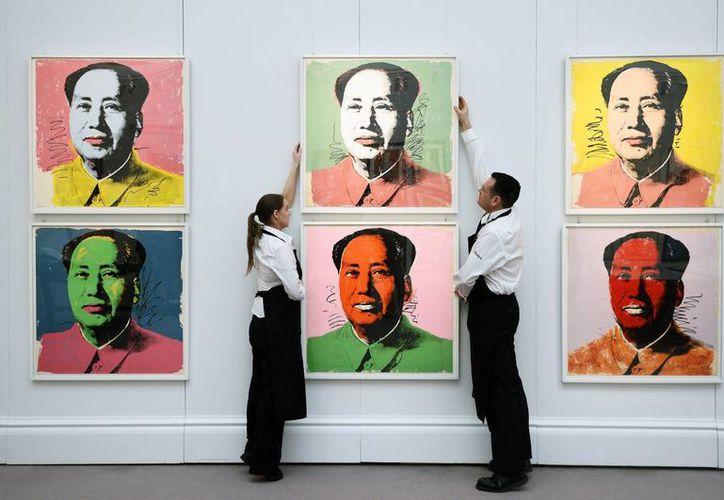 La obra de Andy Warhol, artista ícono del pop art, fue adquirida por un coleccionista privado en Sotheby's. (EFE)