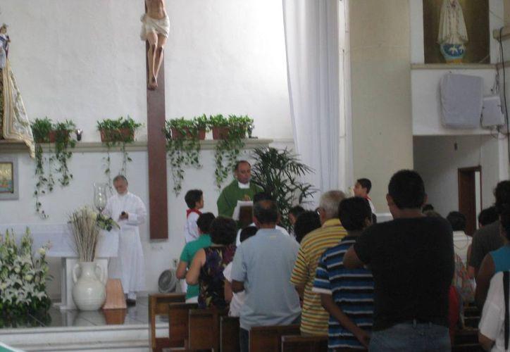 Las parroquias se reportan listas para despedir el año. (Octavio Martínez/SIPSE)