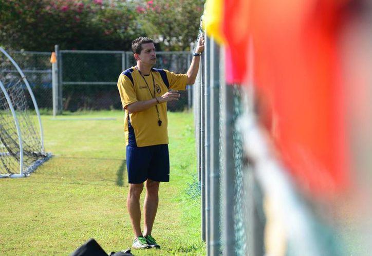 El argentino Ricardo Valiño es parte de un ambicioso proyecto del CF Mérida, por lo que por ahora seguirá como entrenador del equipo yucateco. (Milenio Novedades)