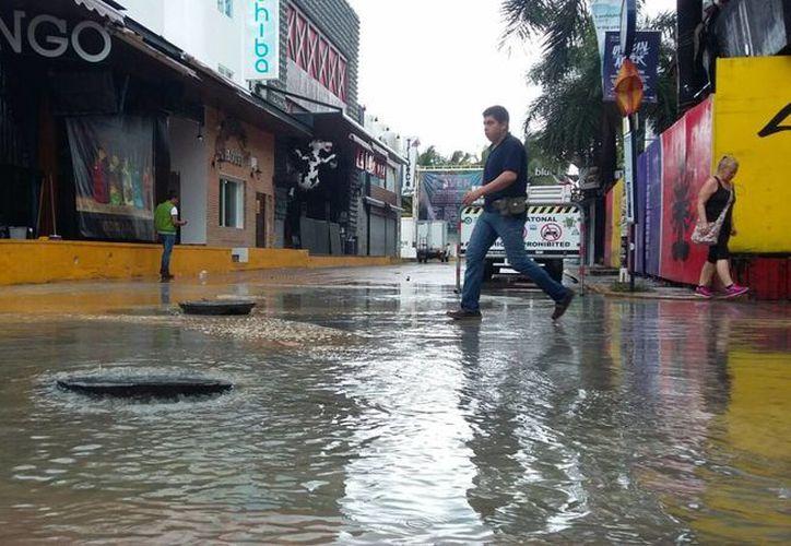 Se esperan lluvias dispersas  para  las próximas 24 y 36 horas a causa del sistema anticiclónico. (Daniel Pacheco/SIPSE)