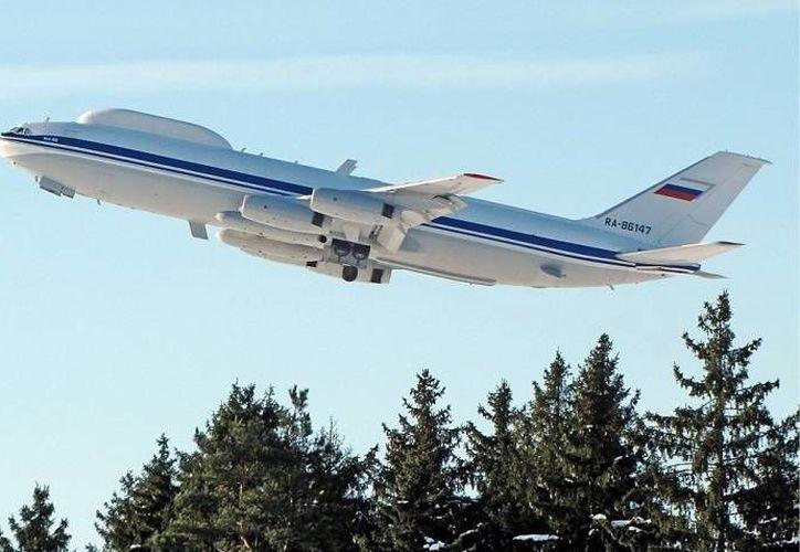 La Unión Soviética desarrolló a partir de las aeronaves Iliushin IL-86 cuatro puestos de mando aéreos IL-80 que todavía están en uso. (wikipedia.org/Kirill Naumenko)