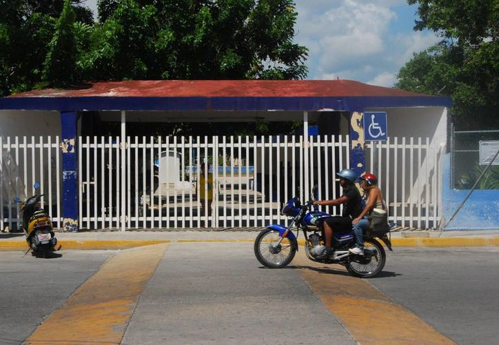 Las escuelas permanecieron vacías y cerradas. (Tomás Álvarez/SIPSE)
