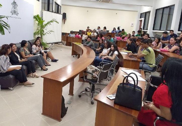 Las panelistas coincidieron en que la educación es la clave para continuar impulsando una cultura de igualdad, equidad, respeto e inclusión. (Joel Zamora/SIPSE)
