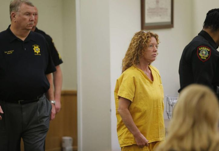 Tonya Couch comparece en la corte en Fort Worth, Texas. (Agencias)