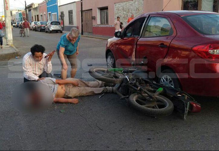 El motociclista quedó gravemente lesionado tras el choque. (SIPSE)
