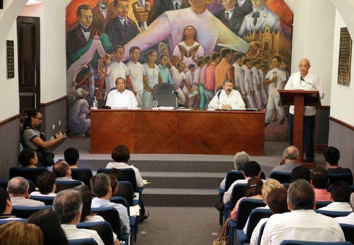 José de Jesús Williams presentó ayer la agenda estratégica de su administración, sustentada en el Plan de Desarrollo Institucional (PDI) 2014-2022.  (Milenio Novedades)