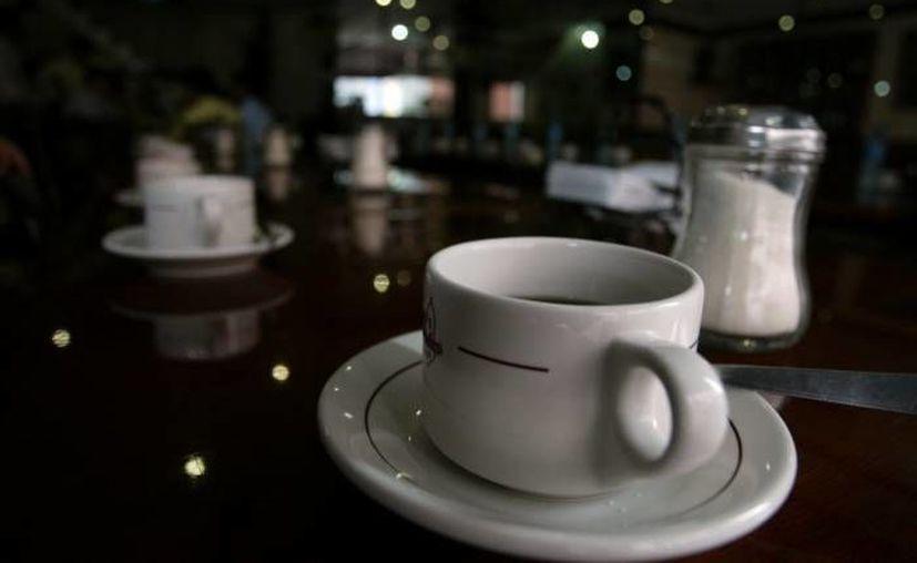 Estudios han determinado que si el café se consume cercano a la hora de dormir puede contribuir a elevar los niveles de estrés de forma considerable, al incrementar la producción de cortisol y promover insomnio. (Archivo/ SIPSE)