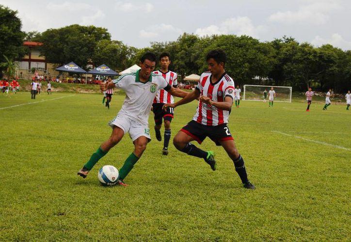 Caimanes de Cancún obtuvo su primer éxito en la categoría, tras vencer 4-1 a Campeche Nueva Generación. (Ángel Mazariego/SIPSE)