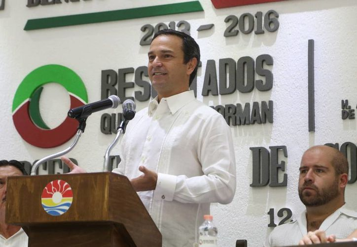 El informe se entregó con la conmemoración de la X Sesión Solemne del Honorable Ayuntamiento. (Cortesía/SIPSE)