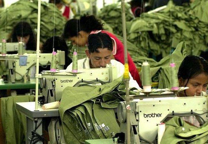 Trabajadores de una maquila en ciudad de Guatemala. (Agencias)