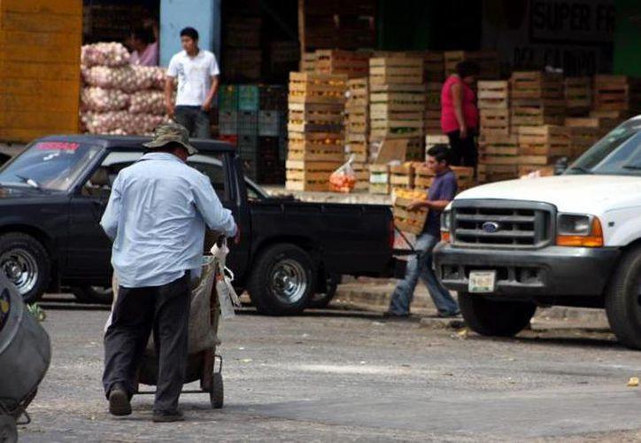 Los comerciantes invertirán en la remodelación del centro de abastos. (Milenio Novedades)