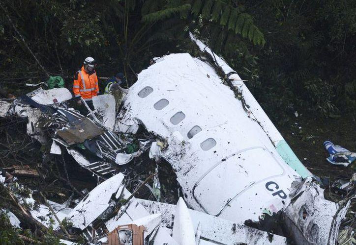 La directiva del club brasileño tenía planeado rentar un vuelo chárter que los transportaría directamente a Medellín, pero la Agencia Nacional de Aviación no lo autorizó.(Luis Benavides/AP)