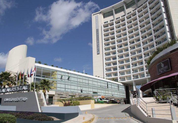 Aumentan los hoteles que atienden el turismo de reuniones. (Tomás Álvarez/SIPSE)