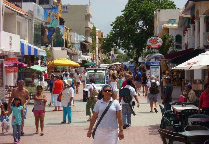 Q. Roo es una zona con múltiples opciones de consumo turístico. (Adrián Barreto/SIPSE)