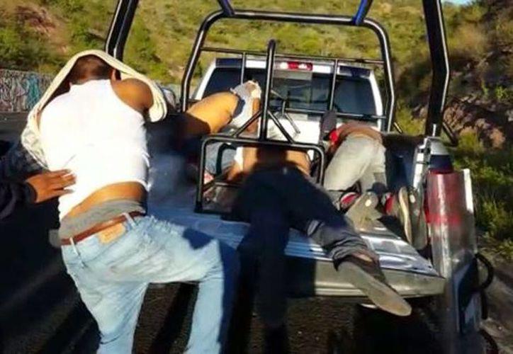 Tras el enfrentamiento, 13 normalistas fueron detenidos. (Rogelio Agustín/Milenio)