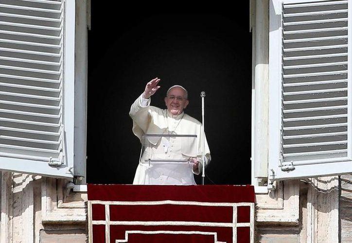 Los seguidores de Jesús eran personas humildes, pescadores, aseveró Francisco desde el balcón de los Palacios Apostólicos. (EFE)