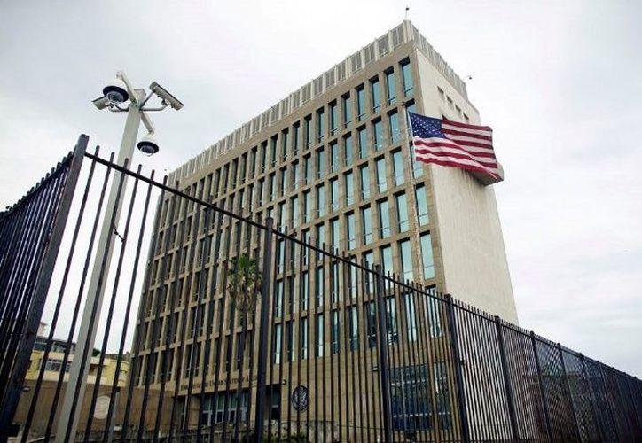 Ya es posible enviar SMS desde Cuba a Estados Unidos. (Foto: El Debate)