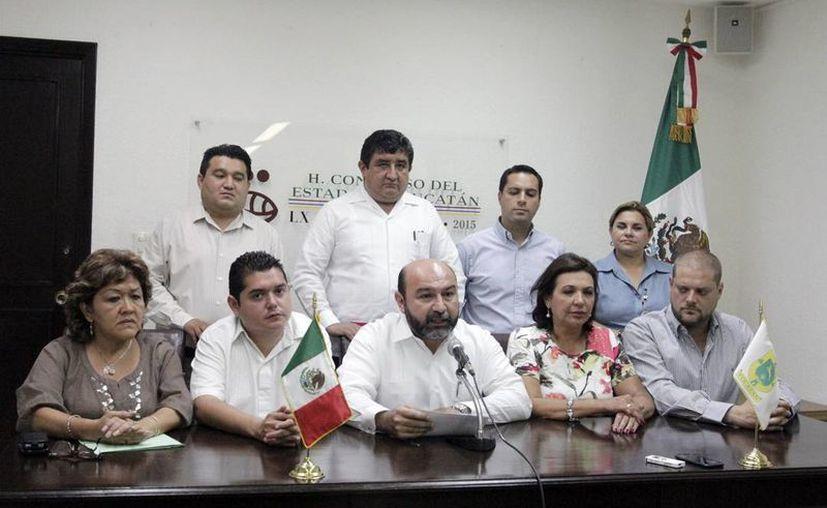 Los integrantes de la Junta de Gobierno ofrecieron una rueda de prensa. (Milenio Novedades)