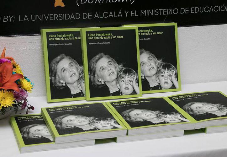 """""""Elena Poniatowska: Una obra de rabia y amor"""" fue inaugurada el Día de la Mujer. (Foto: Redacción)"""