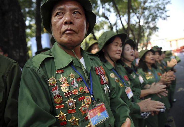 Decenas de veteranos de la Guerra de Vietnam acudieron a las ceremonias para conmemorar el 40 aniversario del fin del conflicto. (AP)