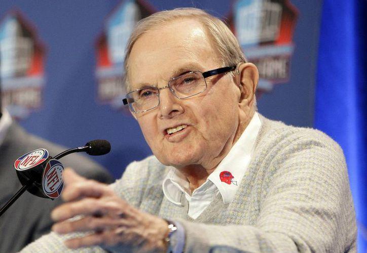 Ralph Wilson, único dueño de los Bills de Buffalo desde que creó el equipo en 1960 con la AFL, en 2009 fue exaltado al Salón de la Fama del fútbol americano. (Agencias)