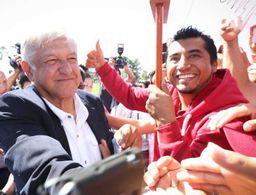 AMLO pide reunión con Peña un día después de las elecciones