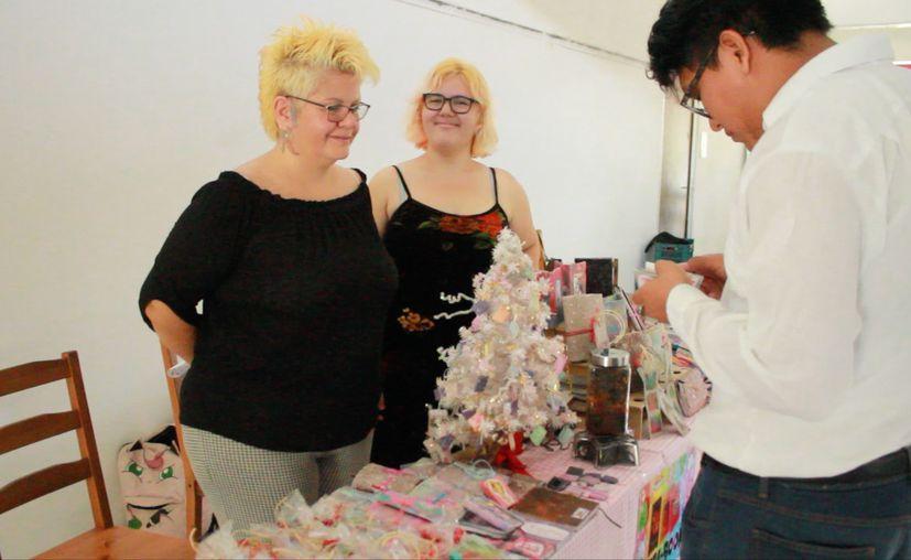 La joven cozumeleña se presentó en la primera edición de la Feria del Libro de la UT. (Sergio Orozco)
