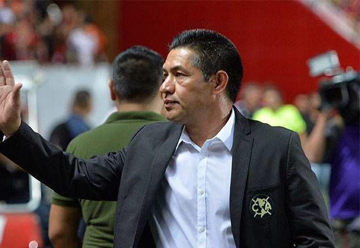 El director técnico de América vive un momento de presión tras haber sido goleado por el Pachuca el pasado sábado en el estadio Azteca. (AP)