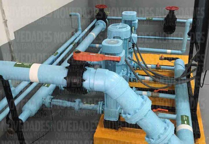 Se realizan pruebas en la calidad del agua y las instalaciones hidráulicas de los pozos. (Octavio Martínez/SIPSE)
