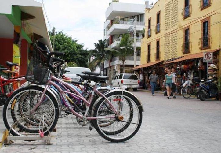 Los ciclistas deben usar los aparcamientos exclusivos. (Adrián Barreto/SIPSE)