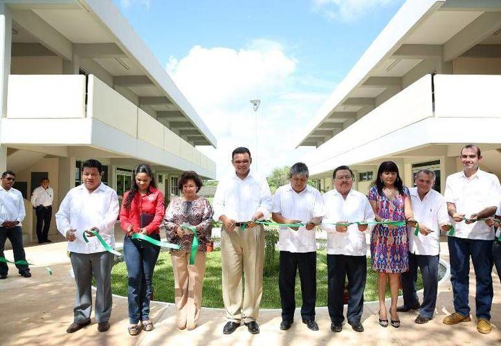 El gobernador Rolando Zapata inauguró la Unidad Académica Departamental del Instituto Tecnológico de Tizimín (ITT), con capacidad de albergar hasta mil 400 estudiantes en los próximos tres años. (Cortesía)