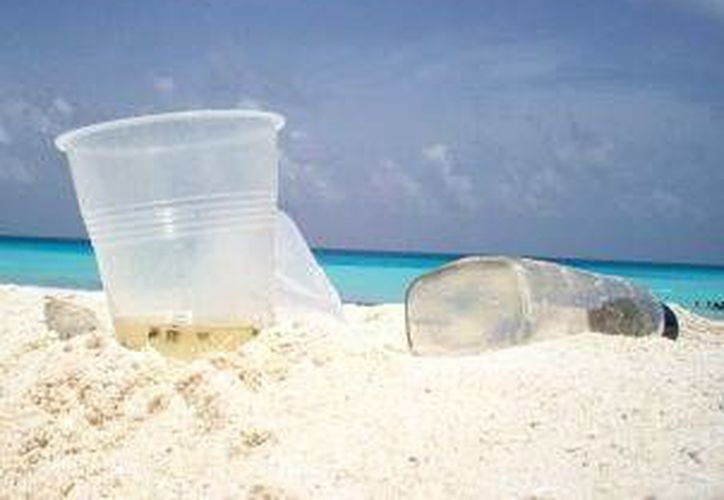 El aumento de bañistas en las playas públicas duplica la cantidad de basura en dichas zonas.  (Foto de contexto/Internet)