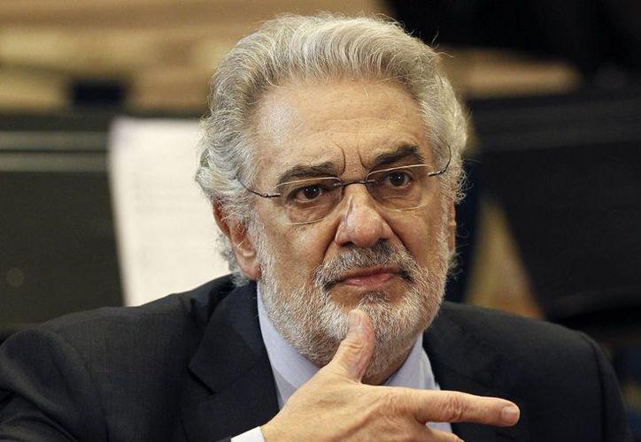 Plácido Domingo está muy triste porque no podrá protagonizar la obra 'Il Postino', escrita especialmente para él. (EFE)