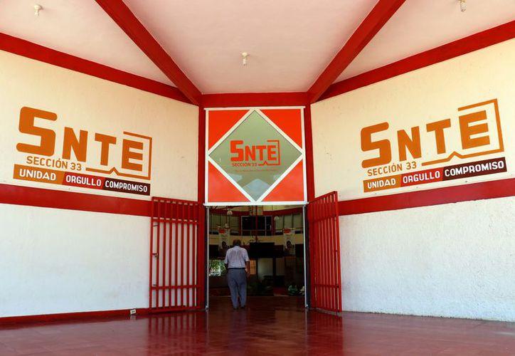 El Sindicato Nacional de Trabajadores de la Educación ha sufrido varias fracturas, dando paso a otros gremios. (Foto: Milenio Novedades)