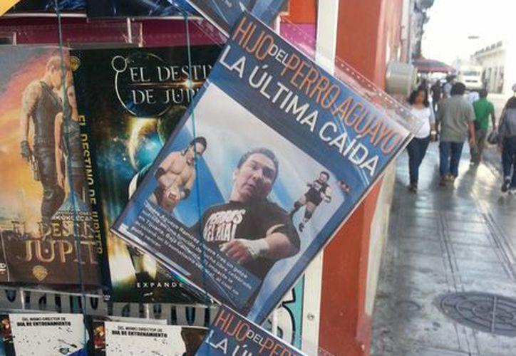 Portada del DVD 'La última caída', sobre la pelea en Tijuana en la que murió el Hijo del Perro Aguayo. (Félix Zapata/SIPSE)